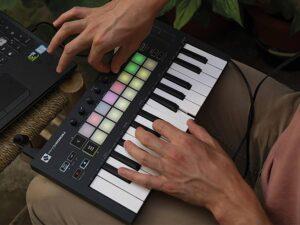 Novation Launchkey Mini MkII Keyboard Controller